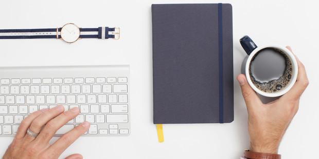 desk-hands-order